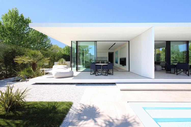 Jesolo Lido Beach Villa / JM Architecture, © Jacopo Mascheroni