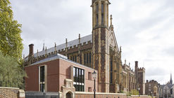 The Great Hall and Library for the Honourable Society of Lincoln's Inn / MICA