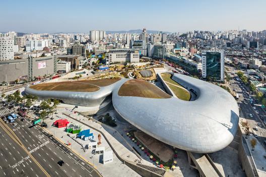DDP+Kyungsub Shin Studio. Image Courtesy of Seoul Biennale  of Architecture and Urbanism 2021