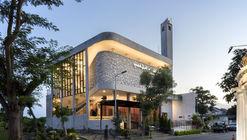 Honeycomb Mosque / Andyrahman Architect