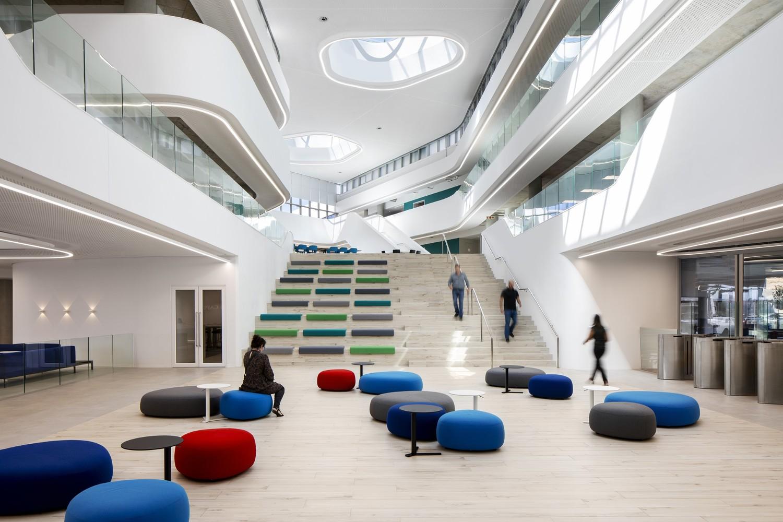 Capitec Bank Headquarters / dhk Architects