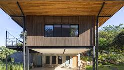 Casa Guayacán / Salagnac Arquitectos