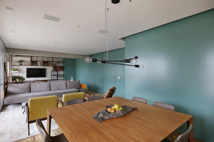 Apartamento Painel Azul / MAB3 Arquitetura, © Mariana Orsi