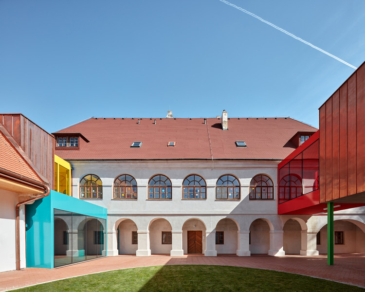 Elementary School Vřesovice / Public Atelier + Fuuze, © BoysPlayNice