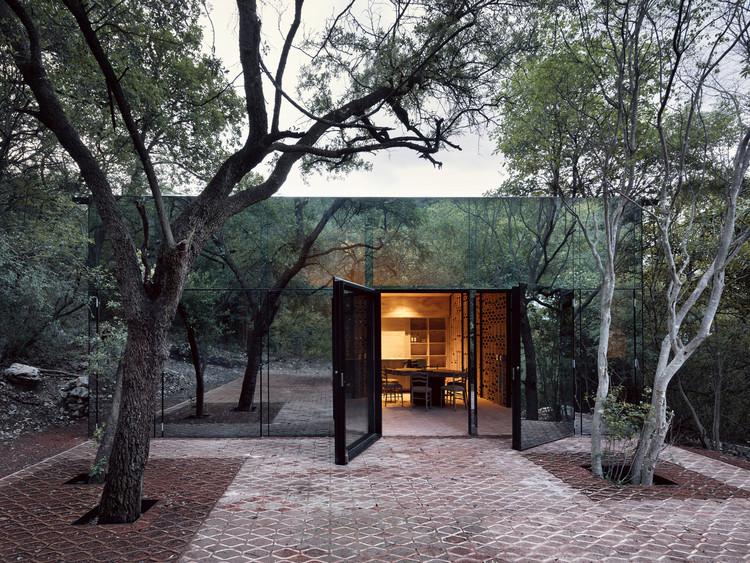 Arquitectura en México: casas para entender el territorio de Monterrey, Nuevo León, Los Terrenos / Tatiana Bilbao. Image © Rory Gardiner