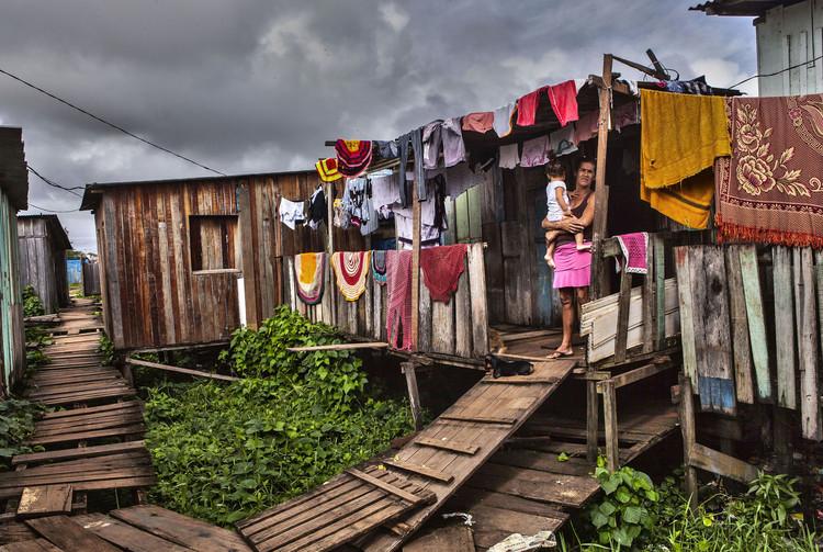Usina Hidrelétrica de Belo Monte: a desterritorializacão dos ribeirinhos do Rio Xingu, Moradora do bairro Jardim Independente I, conhecido como Lagoa, atingido pela barragem do rio Xingu. Foto: © Lilo Clareto, 2018