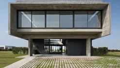 Casa Castaños / Ekaterina Kunzel + María Belén García Bottazzini