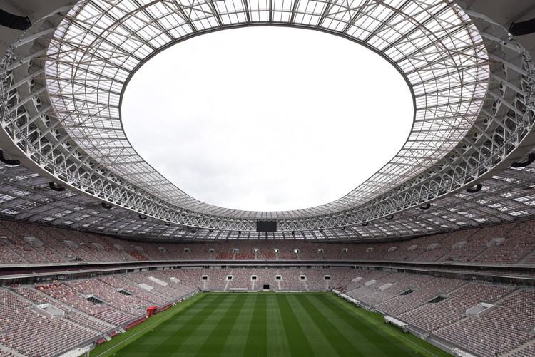 Cómo la realidad aumentada y la realidad virtual mejorarán el futuro de los estadios, Estadio Luzhniki, diseñado por firma rusa SPEECH. Image © Dmitry Chistoprudov