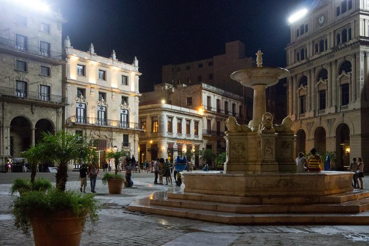 Os novos desafios para a preservação do patrimônio histórico em Havana, Centro antigo de Havana. Image © Evan Chakroff