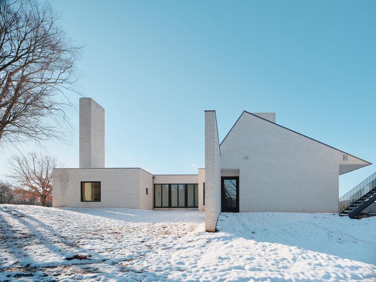 Three Chimney House / TW Ryan Architecture, © Joe Fletcher