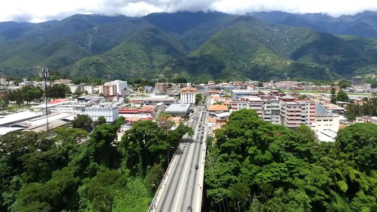 La transgresión del espacio: Cinco años de un parque cultural endógeno en Venezuela, © Marcos Coronel
