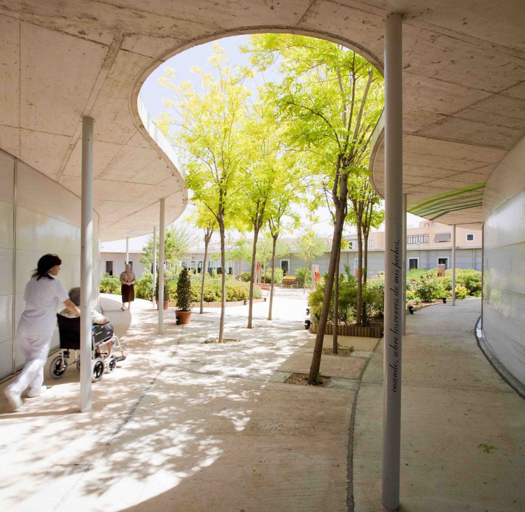 Housing for the Elderly: Examples of Independent and Community Living, Cortesía de Manuel Ocaña