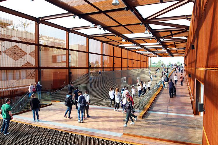Todos os pavilhões brasileiros que já participaram das Exposições Internacionais, Expo Milão 2015: Pavilhão do Brasil / Studio Arthur Casas + Atelier Marko Brajovic. Imagem: © Raphael Azevedo França