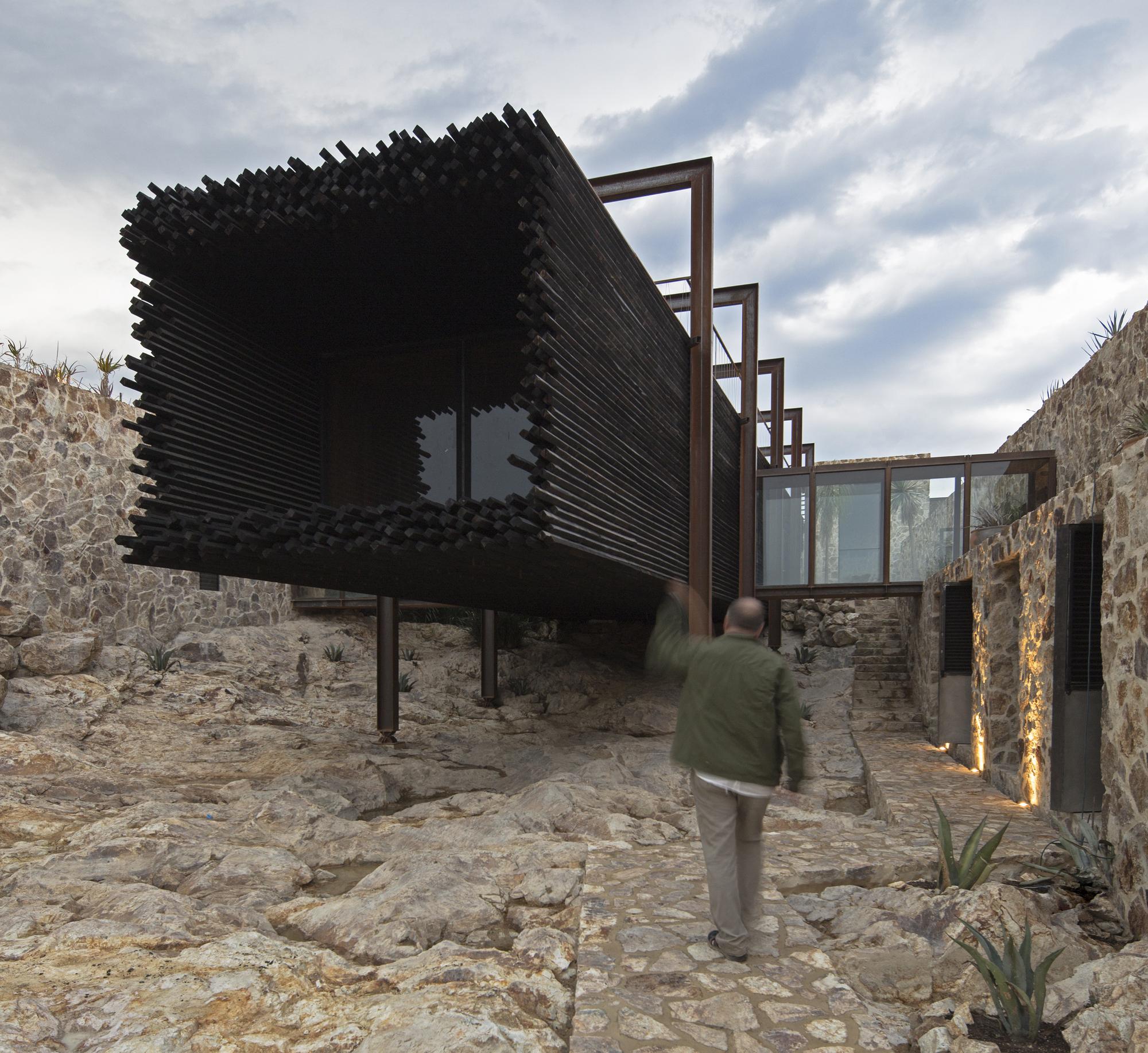 La Loma House / Alejandro D' Acosta