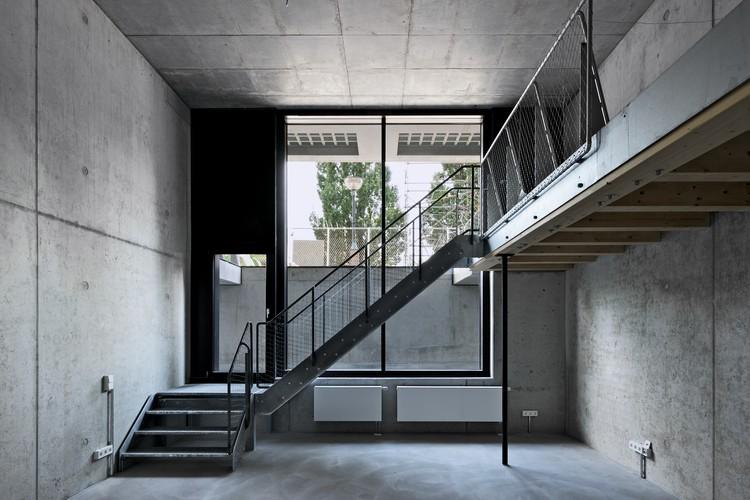Residential and Studio Building at the Former Berlin Flower Market (IBeB) / ifau + Heide & von Beckerath, © Andrew Alberts