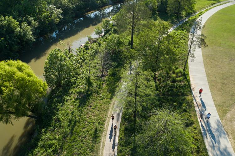 Después de COVID-19, ¿qué sigue para la arquitectura del paisaje?, Buffalo Bayou Park en Houston, por SWA. Cortesía de Jonnu Singleton