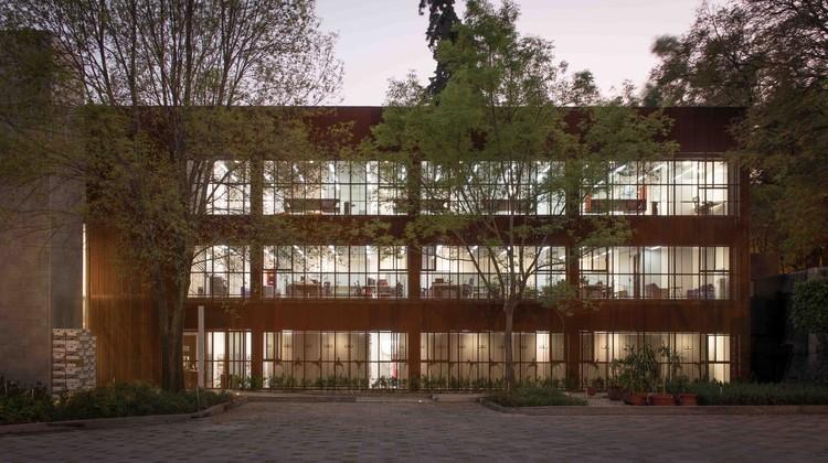 Centro del Patrimonio Inmobiliario / Victor Marquez. Image © Jaime Navarro