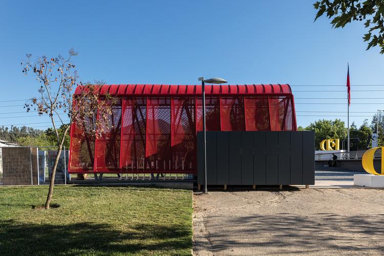 Red Pavilion / Sarovic Plaut Arquitectos. Image © Leonardo Finotti
