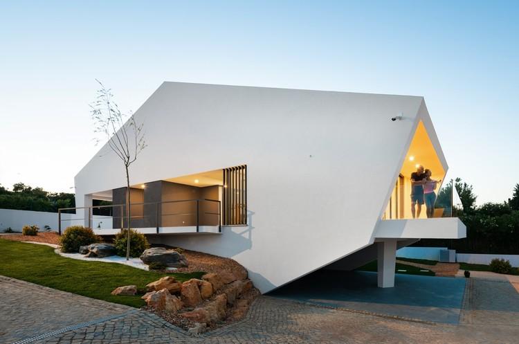 Casa Pereiras Polydrop / Produção de Arquitectura , © Luis da Cruz