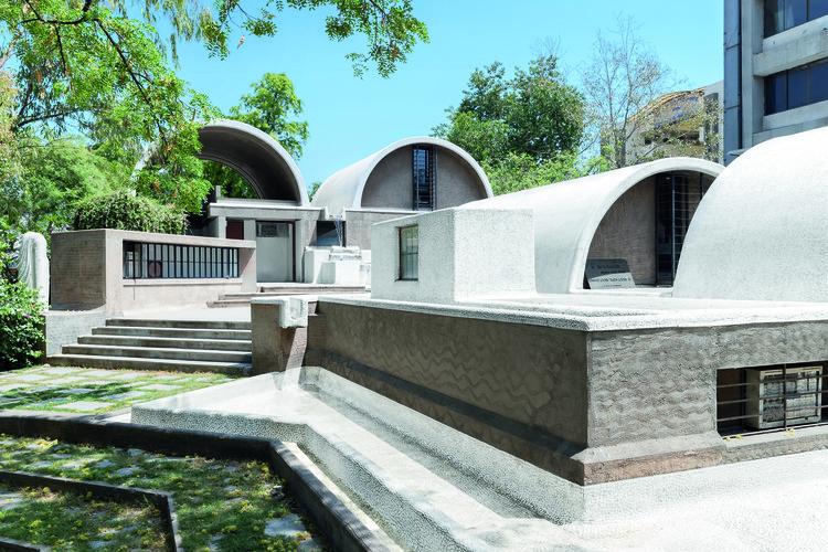 First U.S. Exhibition of Pritzker Prize-Winner Balkrishna Doshi to Open in September, Balkrishna Doshi, Sangath Architect's Studio, Almedabad, 1980 . Image © Iwan Baan