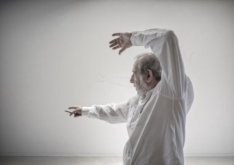 Álvaro Siza, entre o moderno e o tradicional , Álvaro Siza. Image © Fernando Guerra |  FG+SG