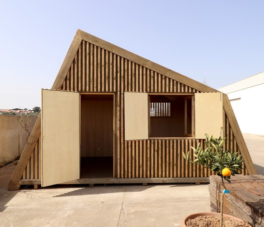 Studio Diagonal Reception and Studio / Madeiguincho