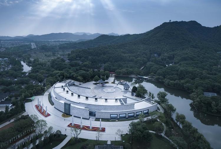 Der Jiyu-Pavillon am Ende der Spirit Road. Bild © Qiang Zhao