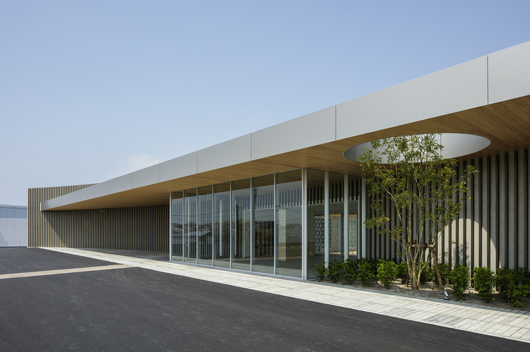 Welfare House in Omuta / Peak Studio + Hidetoshi Fujiki Architectural Planning Atelier, © Katsumasa Tanaka