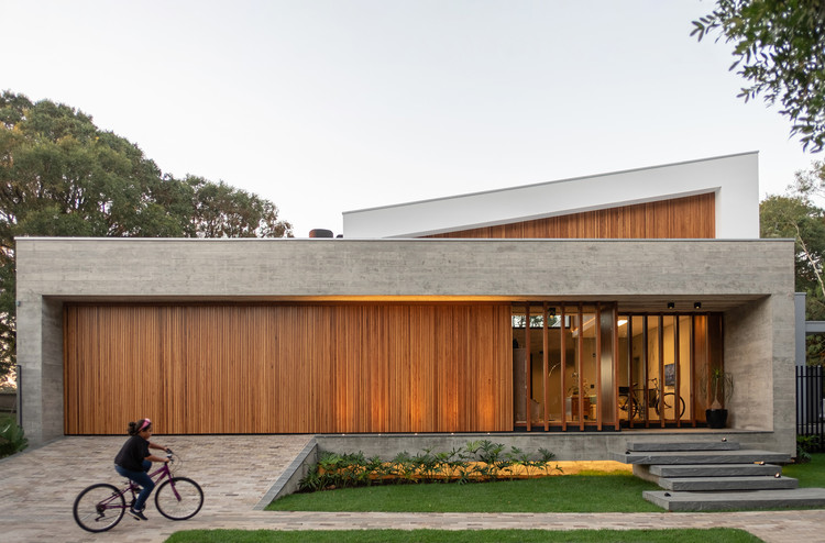 Casa em Tamandaré / Karina Guidolin Arquitetura, © Ezequiele Panizzi