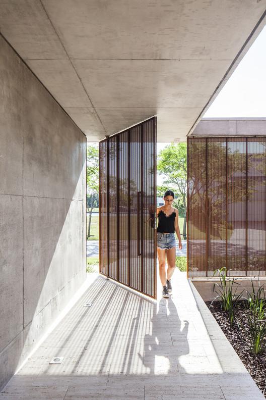 Casa Albanueva / Ezequiel Amado Cattaneo. Image © Alejandro Peral