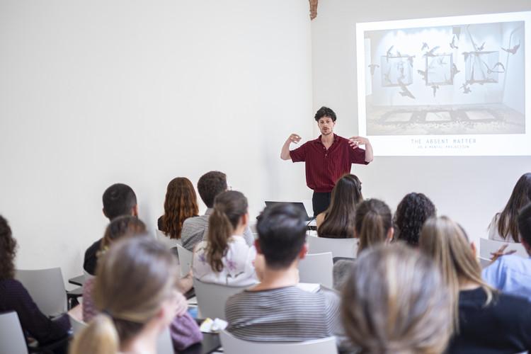 Edoardo Tresoldi during his lecture at YACademy. Image Courtesy of YAC srl