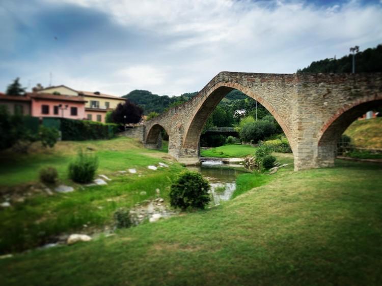 Ponte della Signora, Modigliana. Image Courtesy of YAC srl