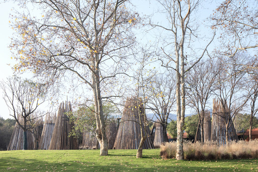 New Tower Typology Uses Steel Cables to Wrap Itself Together