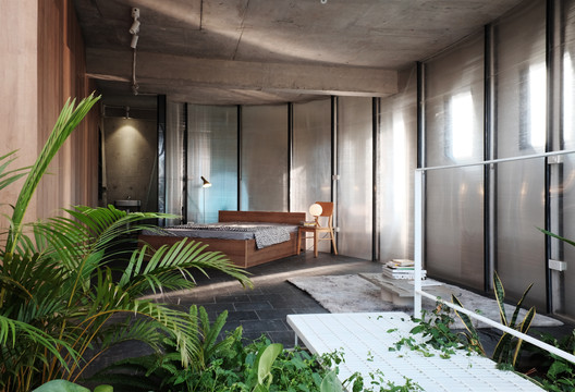 Inside Uniform House / NNA+