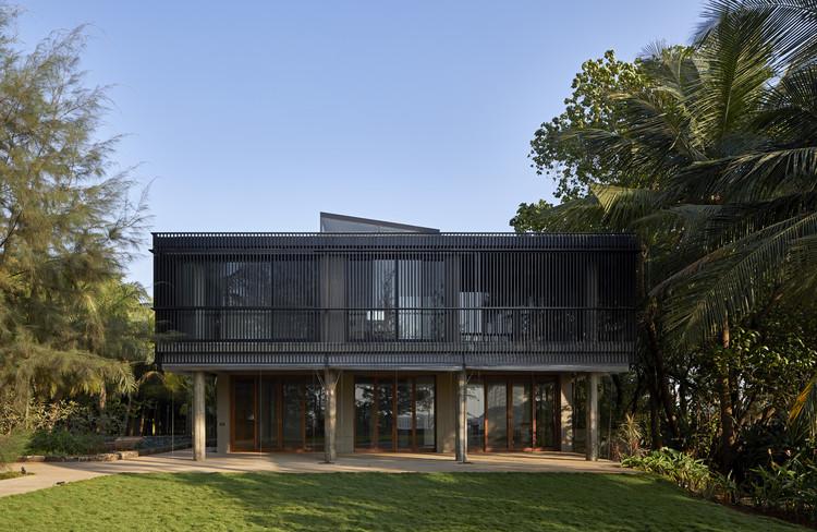 House in a Beach Garden  / Architecture BRIO, © Edmund Sumner