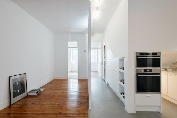 Apartamento na Rua da Ilha Terceira / Atelier 106, © Do Mal o Menos