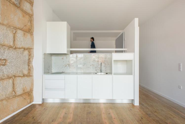 4 Apartments in Porto / Atelier 106, © Subtilography