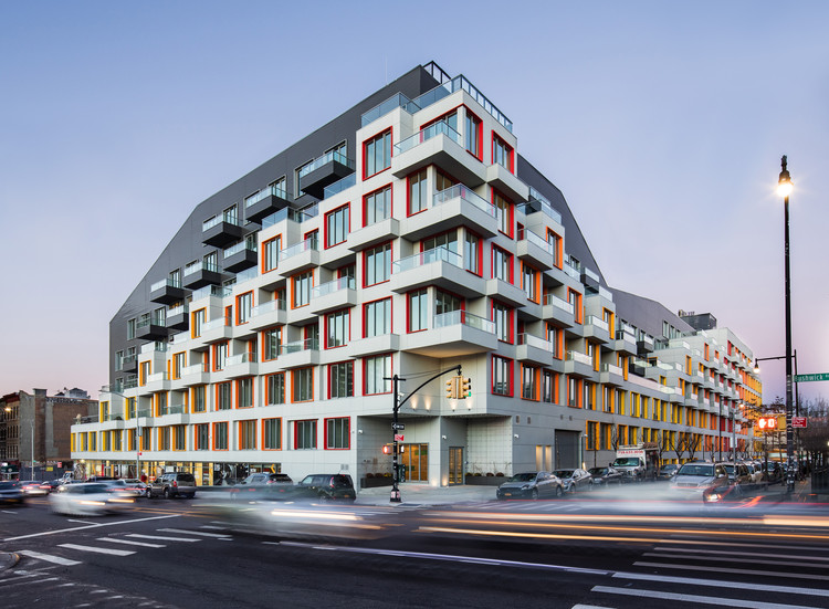 Spanning an Entire City Block: Meet One of Brooklyn's Latest Multi-Family Developments, © Pavel Bendov