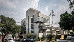 I93 Building / Wolff - Yapur