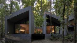 San Simón Cabins / Weber Arquitectos