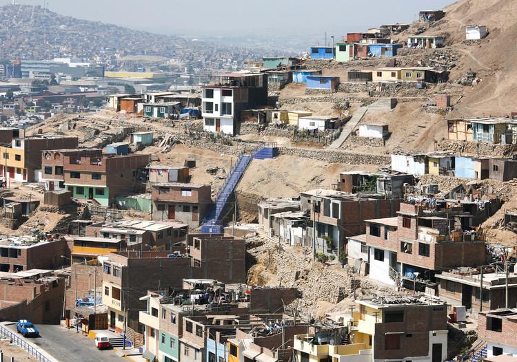 Hacia una nueva normalidad con menos desigualdad urbana en Perú, Distrito de Chorrillos. Image © Alex Proimos [Flickr] bajo licencia CC BY-NC 2.0