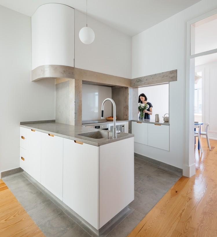 Apartment in Principe Real / Aurora Arquitectos, © do mal o menos