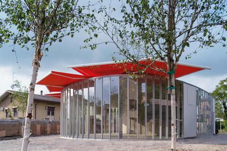 Workshop Ricostruzione - The Youth Activity Center / Mario Cucinella Architects, shading. Image © MC Archive