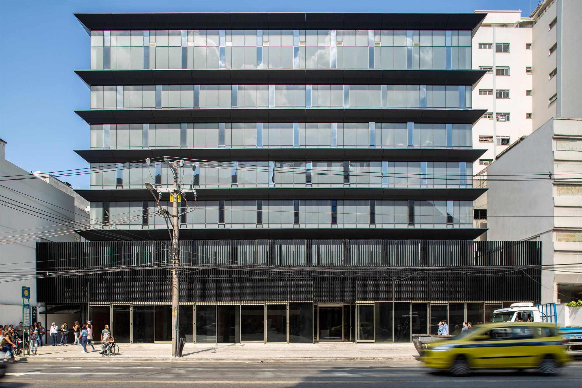 Pulse Office Building / Jacobsen Arquitetura