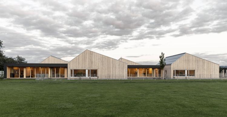 St. Raphael Daycare and Family Center    / GERHARD FEUERSTEIN Architekt BDA + Architekturbüro Raum und Bau, © Luis Tamaya