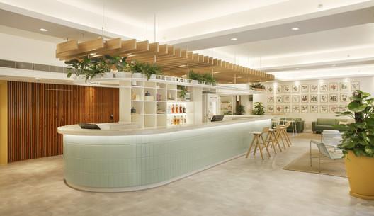 Hotel B&B Copacabana  / PKB Arquitetura