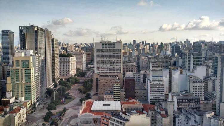 """CAU/BR promove ciclo de lives """"Novas Cidades 2021"""", São Paulo. Foto de Jonas Pacheco, via Unsplash"""