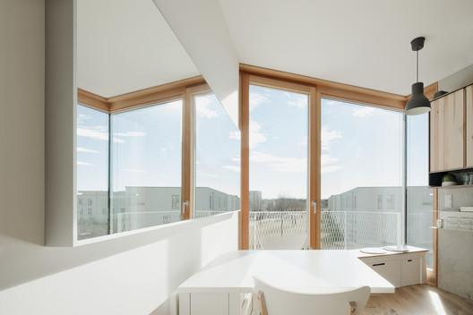Wohnen ohne Auto / Pool Leber Architekten. Image © Brigida González