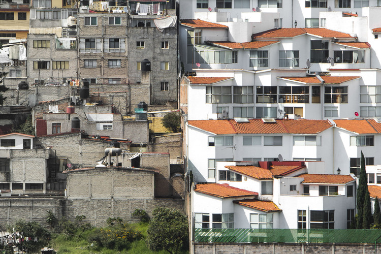 Sentencia Techo México vs INEGI: el impacto de las cortes en las ciudades, Ciudad de México, México. Image © Johny Miller