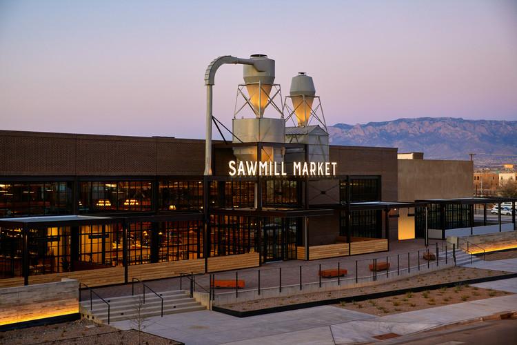 Arquitectura y paisaje: obras para entender el territorio de Nuevo México, Estados Unidos, Sawmill Market / api(+) and Islyn Studio. Image © Read Mckendree
